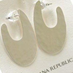 Nwt Banana Republic hammered hoop earrings